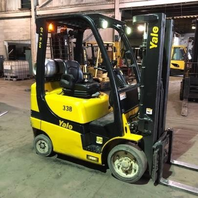 Yale GLC050 propane fuel 5000lb 4 wheel sit down rider warehouse style cushion solid tire forklift