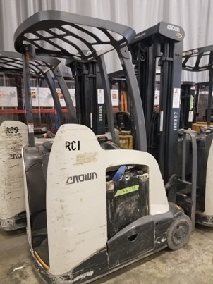 Crown RC5540-40 electric narrow aisle 4,000lb Stand-Up End Control Rider Counterbalanced forklift.