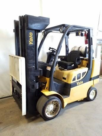 Yale GLC100VX 10,000lbs 5 ton, cushion solid tire propane fuel indoor warehouse forklift with 4 stage mast.