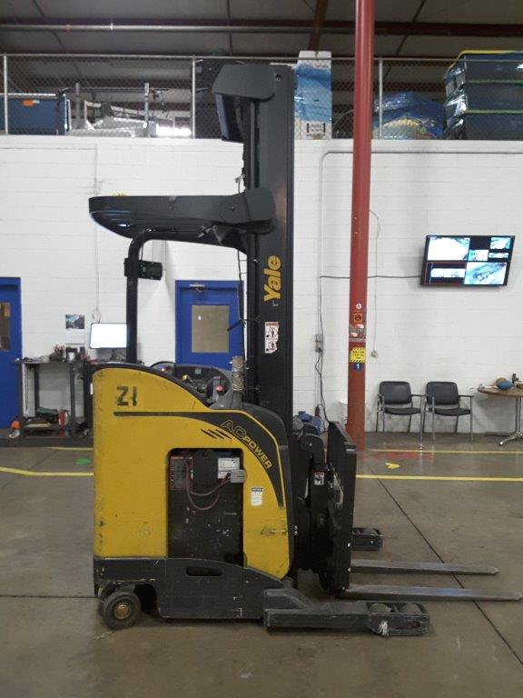 Yale NR040 electric narrow aisle 4000lb stand up rider reach forklift.