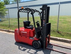Raymond 445-C40TT electric narrow aisle 3 wheel sit down rider 4000lb warehouse forklift.
