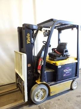 Yale ERC050VX 5000lb electric sit down 4 wheel cushion solid tire warehouse forklift