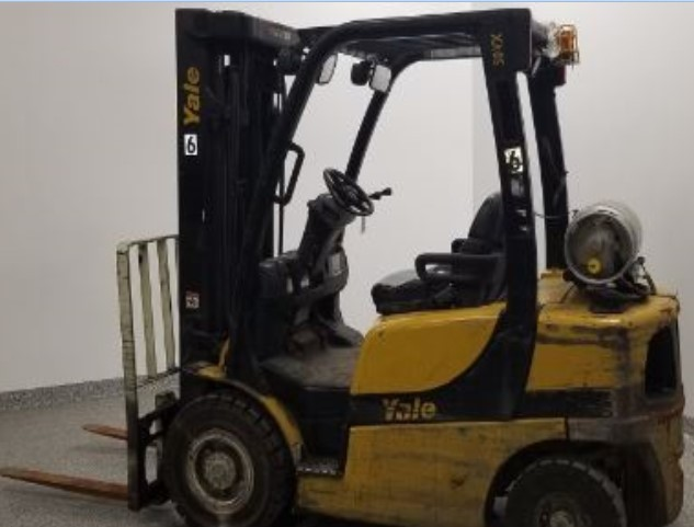 Yale GLP050VX pneumatic tired 5000lb propane fuel outdoor forklift.