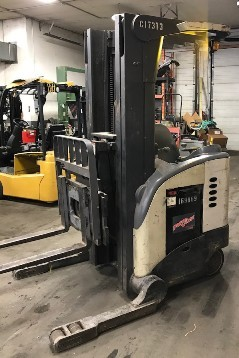 Crown RD5020-30 stand up rider electric narrow aisle 3000lb double reach forklift