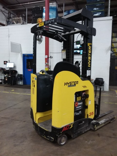 Hyster N35ZDR2 electric narrow aisle stand up rider 3500lb double reach warehouse forklift.