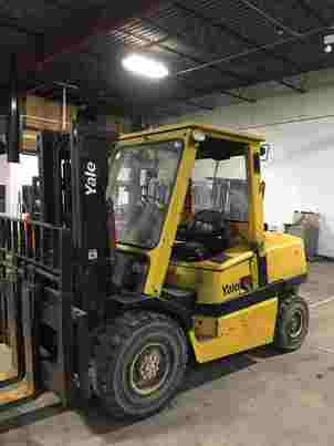 Yale GDP100 5 ton 10,000lb pneumatic tire diesel fuel outdoor forklift