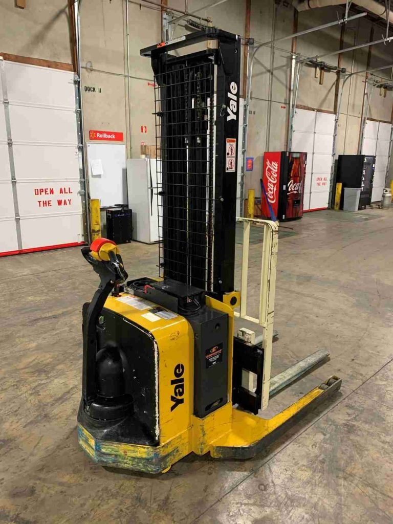 Yale MSW040SFN electric walk behind narrow aisle 4000lb stacker forklift