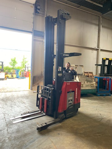 Raymond 750DR32TT narrow aisle 3200lb electric stand up rider double reach forklift.