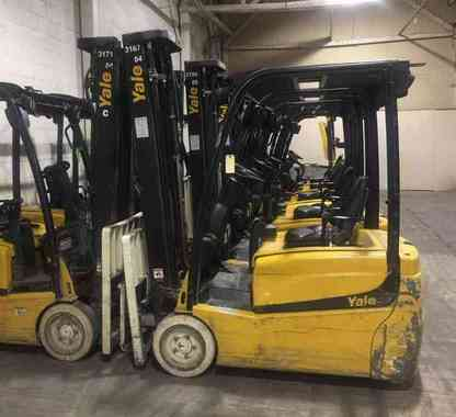 YALE ERP040 electric 4000lb narrow aisle 3 wheel sit down rider warehouse forklifts.
