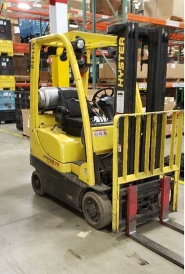 Hyster S30FT propane fuel 3000lb cushion solid tire warehouse forklift