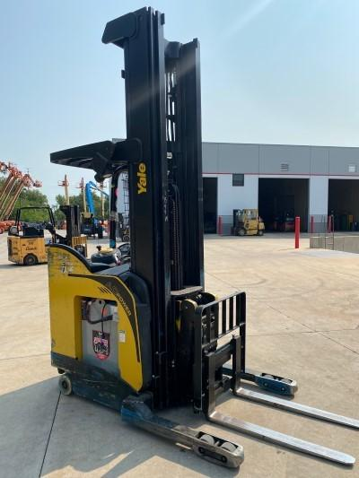 Yale NDR035EBNL36TE131 electric stand up rider 3500lb narrow aisle double reach warehouse forklifts