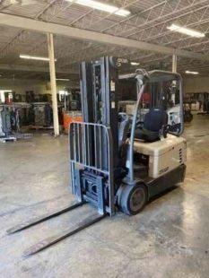 Crown SC4540-35 electric narrow aisle 3500lb 3 wheel sit down rider warehouse forklift