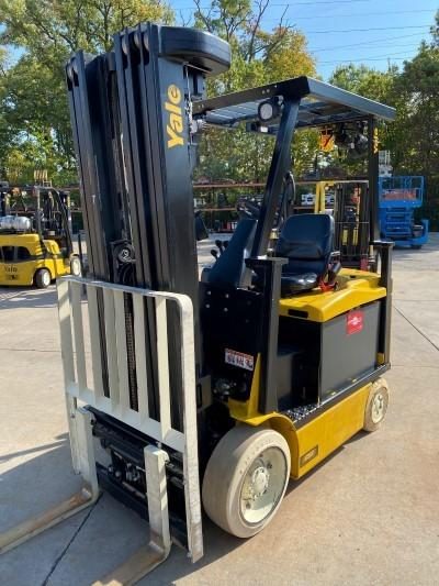 Yale ERC050VGN36TQ092 electric 4 wheel sit down rider 5000lb quad mast warehouse forklifts